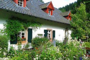 Dům v přírodě se zahradou