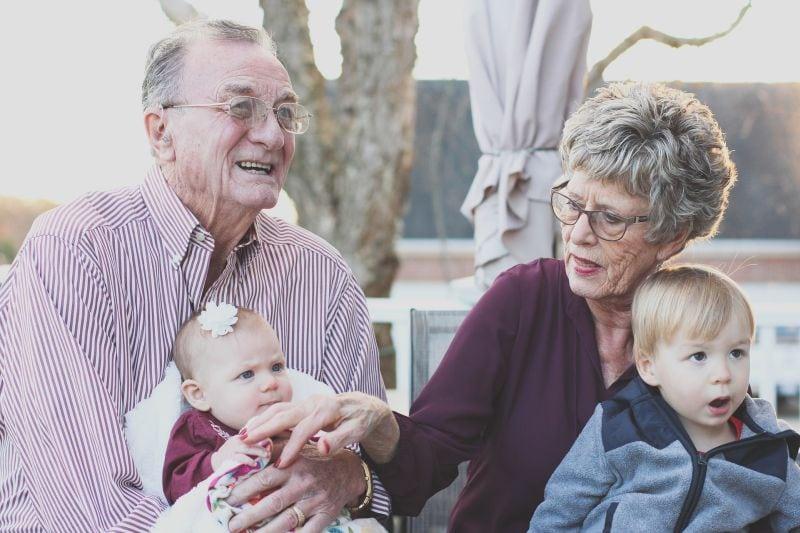 Prarodiče s vnoučaty