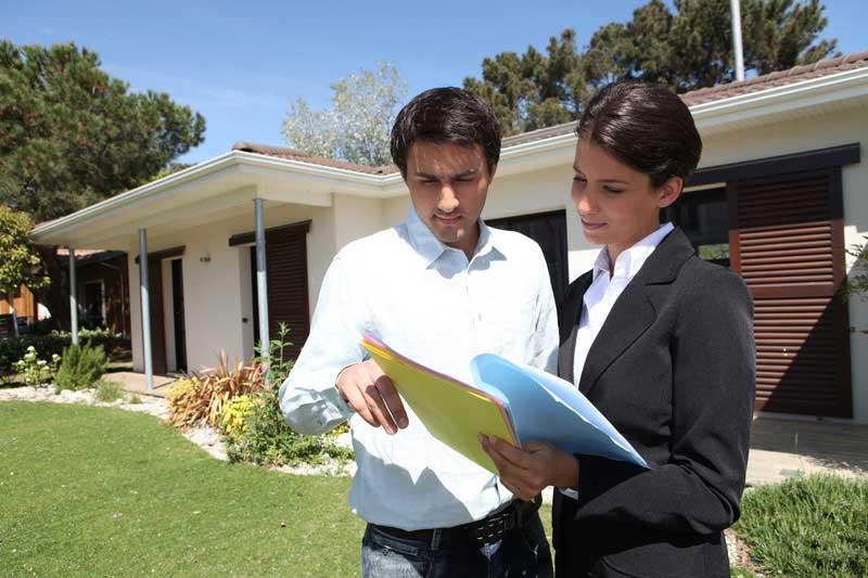 Jak si vybrat realitního makléře pro prodej nemovitosti
