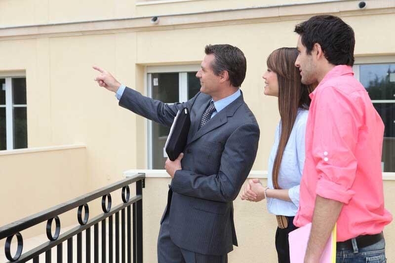 Jak si vybrat realitní kancelář pro prodej nemovitosti